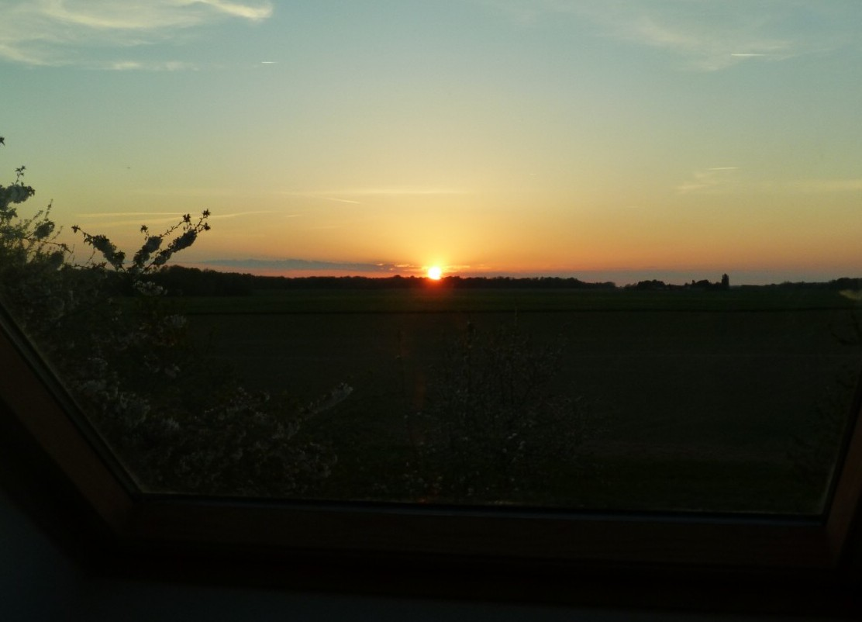 Coucher de soleil depuis le vélux de la mezzanine
